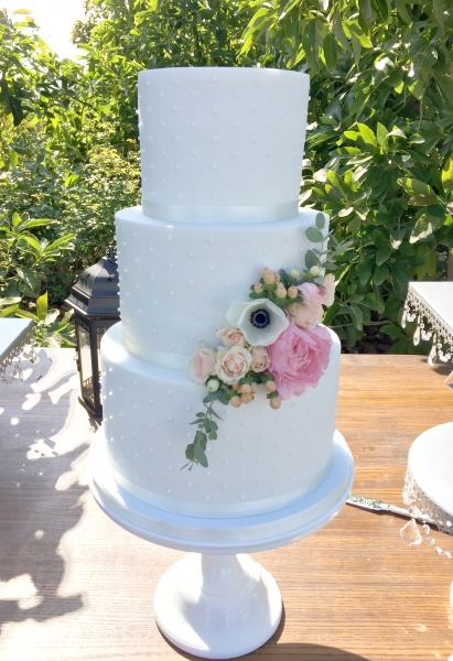 Wedding Cakes Fondant Frost It Cupcakery