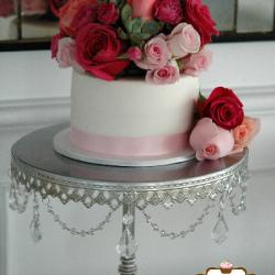 Fondant cutting cake