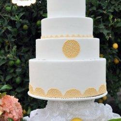 yellowwhiteweddingcake