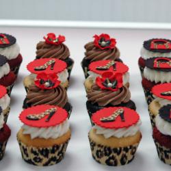 Fashion Cheetah Print Cupcakes