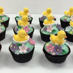 Fondant duck cupcakes