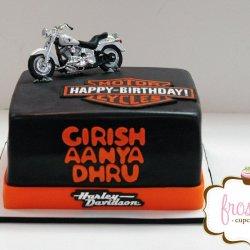 Fondant Harley Davidson cake