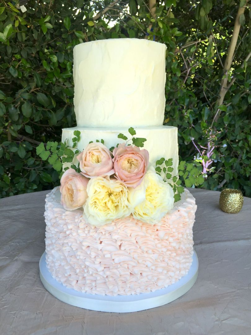 rustic ruffle wedding cake